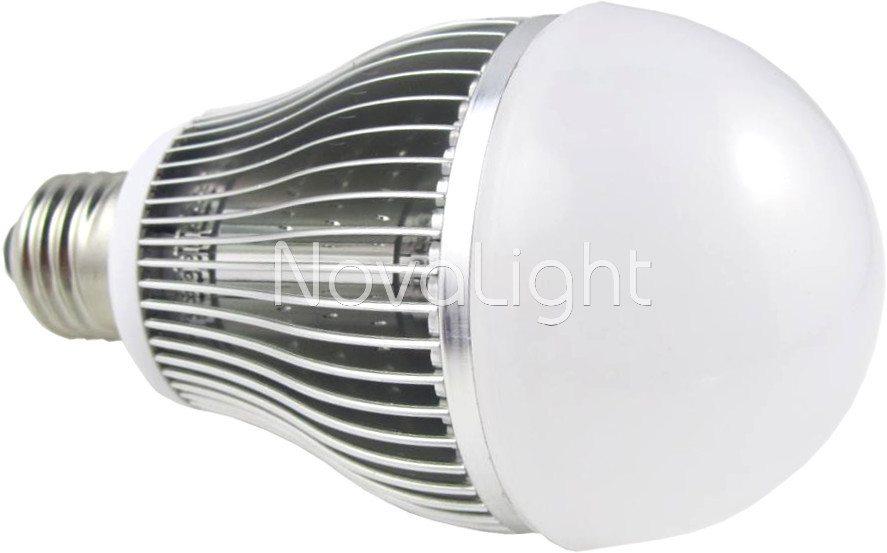 Foco LED 12w Blanco Puro Lateral 1